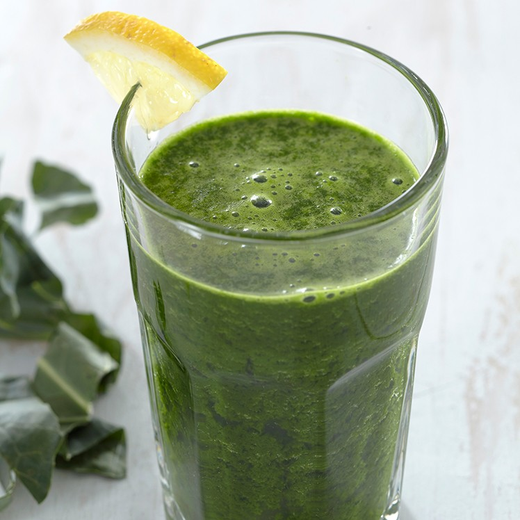 Scoop_chopped-broccoli-leaves-smoothie_300