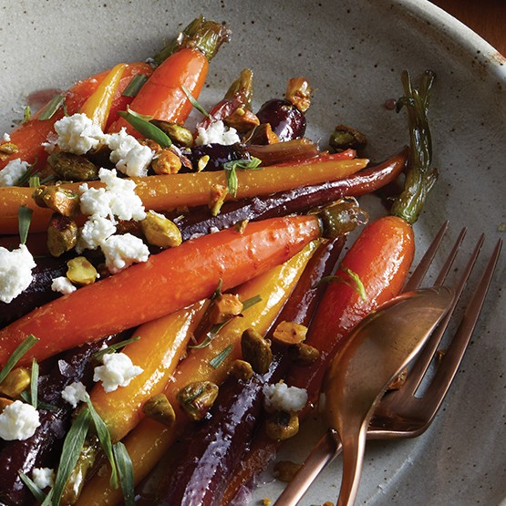 Maple-Glazed_Heirloom_Carrots_with_Chevre_555x555