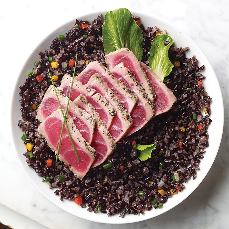 Scoop_seared-yellowin-tuna-slices-black-rice-bowl_300